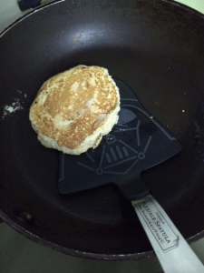 Flipping the pancake to the Dark Side with my Vader Spatula